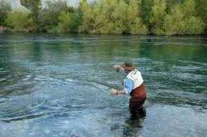 Guías de pesca se capacitaron en primeros auxilios en zonas agrestes