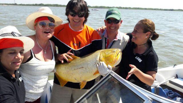 mujeres-pescadoras-de-resistencia-son-las-ganadoras-del-torneo-internacional-de-pesca-del-dorado