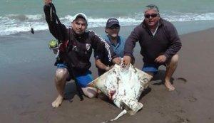 el-club-de-pesca-abrio-el-juego-1478877819